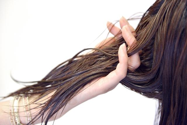 柏の美容室omino髪の乾燥ダメージ対策
